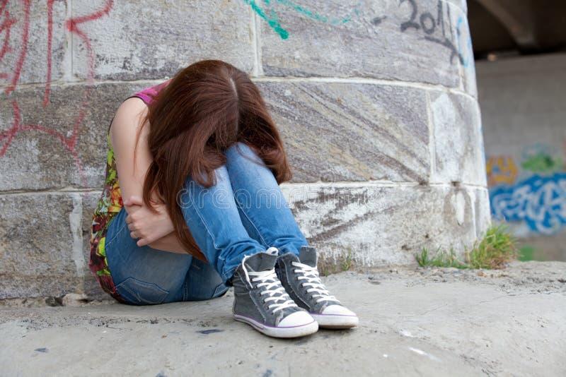 Jugendlichen mit Problemen, viel des Exemplarplatzes stockbild