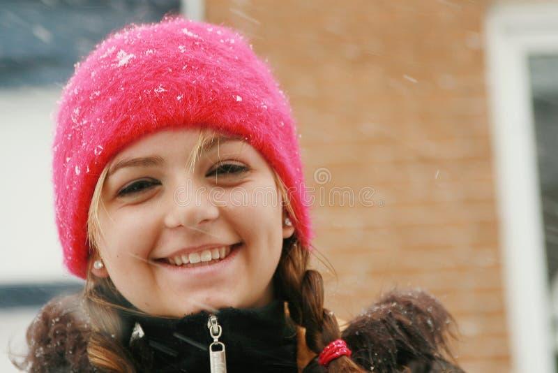 Jugendlicher im Winter stockfoto