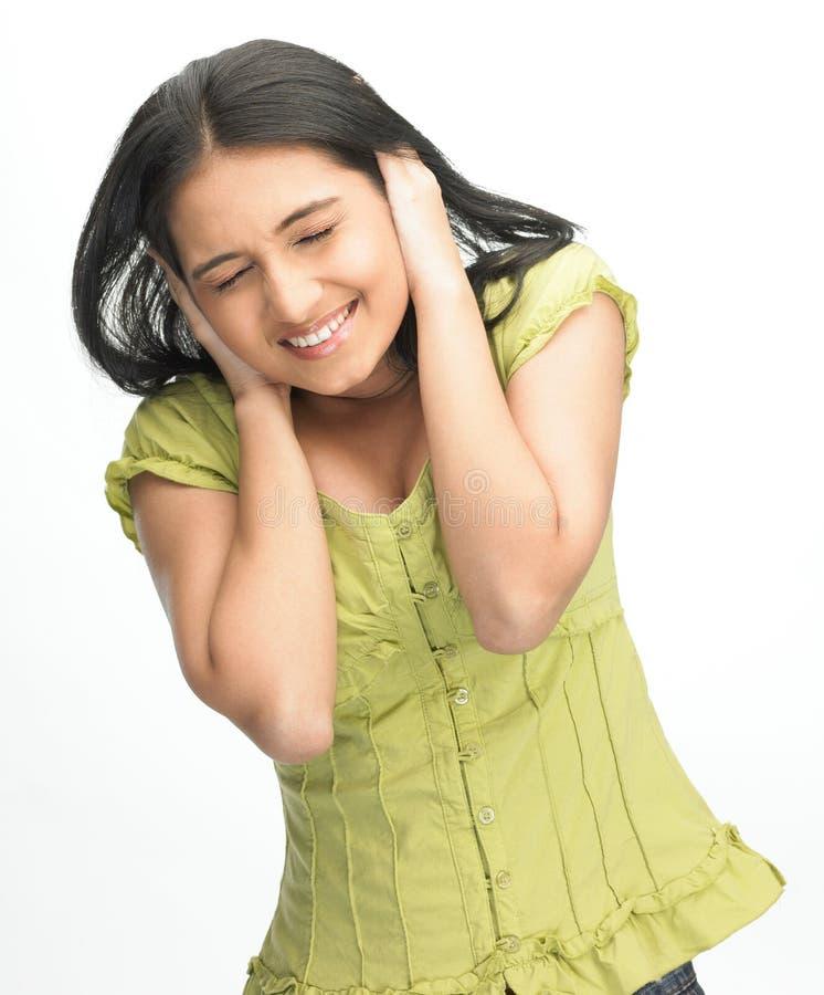 Jugendliches indisches Mädchen in einer Umkippenstimmung lizenzfreie stockfotos