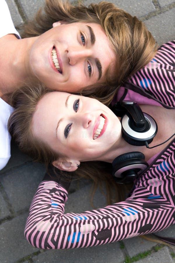 Jugendpaare stockbild