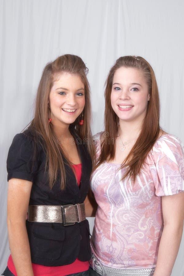 Jugendschwestern stockfoto