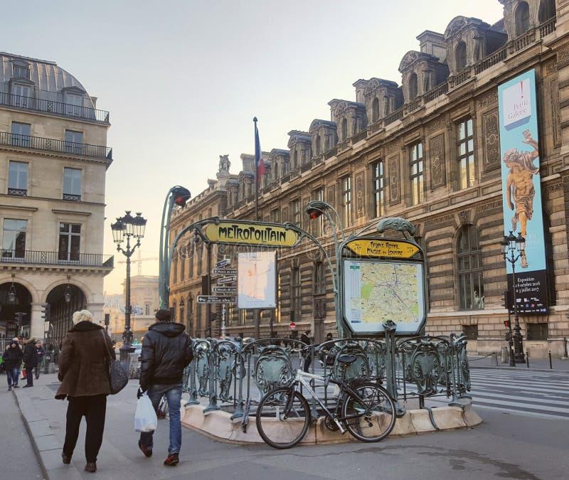 Jugendstil, de stijl artistieke en Parijse architectuur royalty-vrije stock fotografie