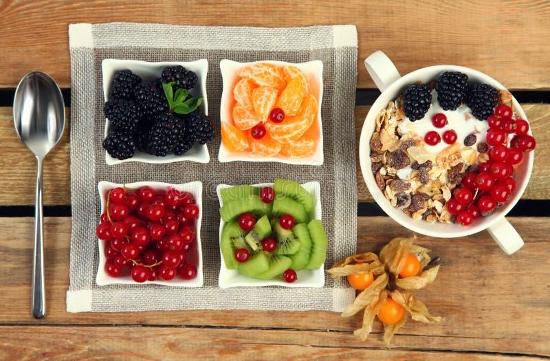Jughurt et gruau image libre de droits