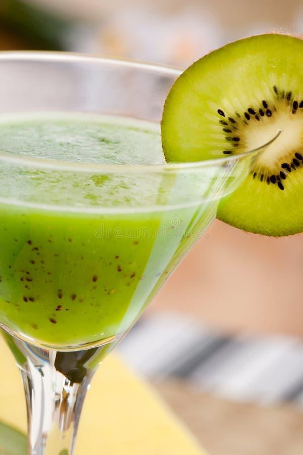 Jugo de fruta de kiwi fotografía de archivo libre de regalías