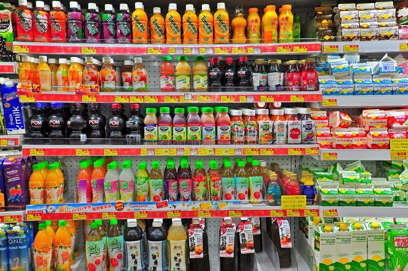 Jugo fresco en el supermercado de Hong-Kong fotografía de archivo libre de regalías