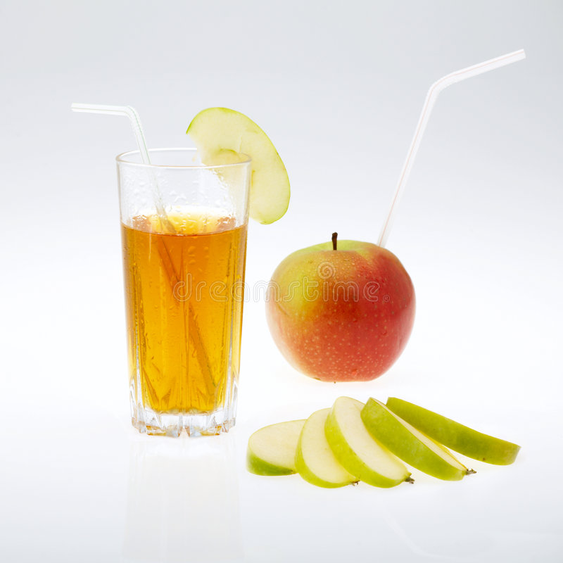 Jugo y manzana imagen de archivo