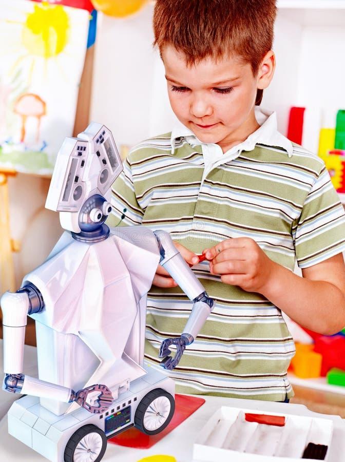 Juguete del robot de la estructura del niño Robótica dedicada niño en clases programadas fotos de archivo