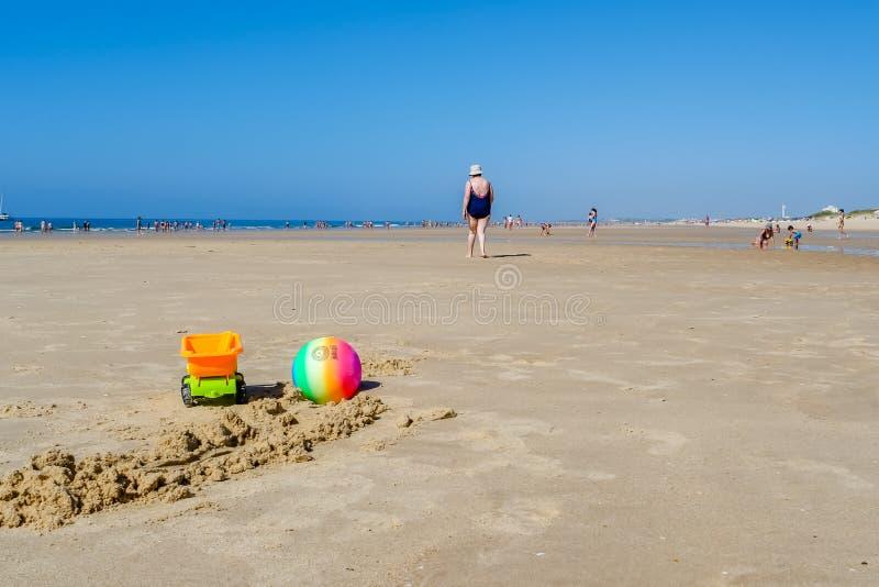 Juguetes de la playa del ` s de los niños foto de archivo