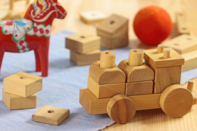 Juguetes de madera imagenes de archivo