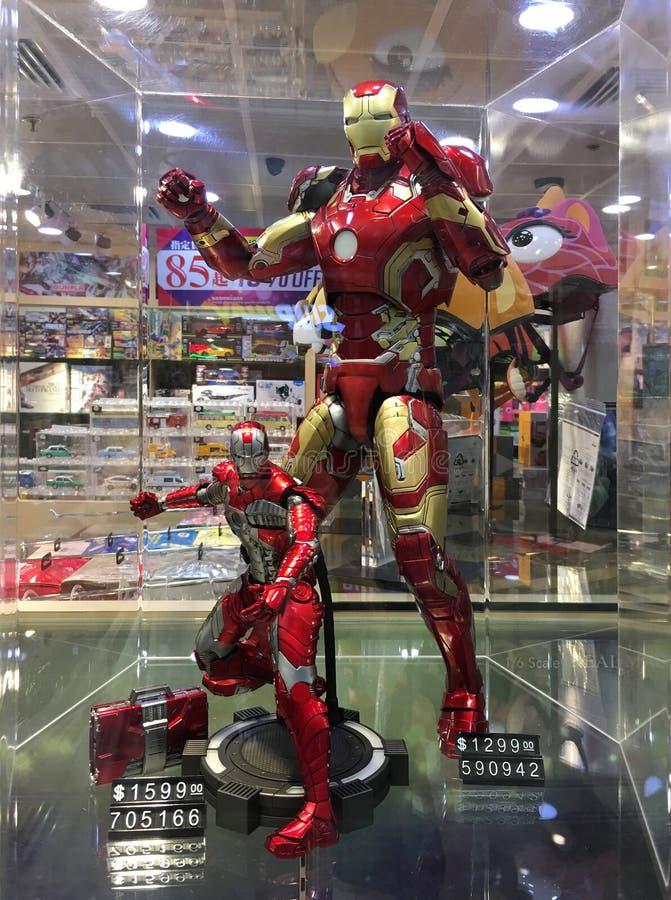 Juguetes del hombre del hierro en el aeropuerto de Hong Kong imagen de archivo libre de regalías