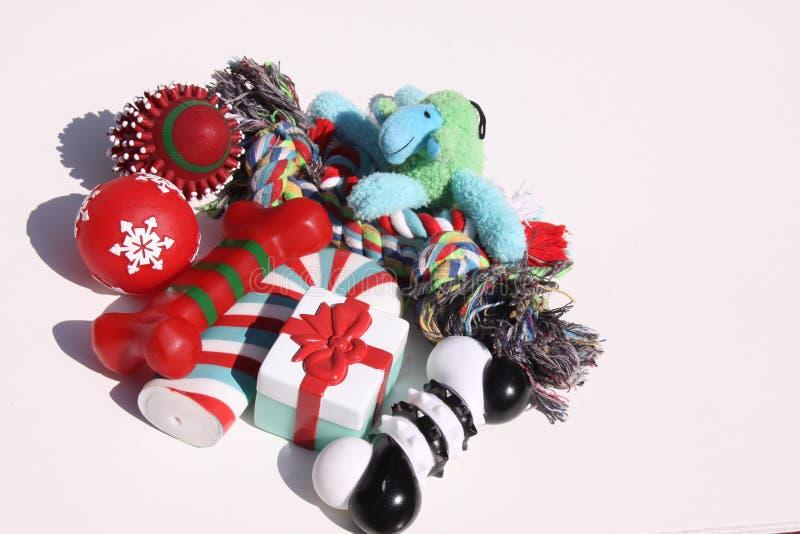 Juguetes del perro de la Navidad imagen de archivo libre de regalías