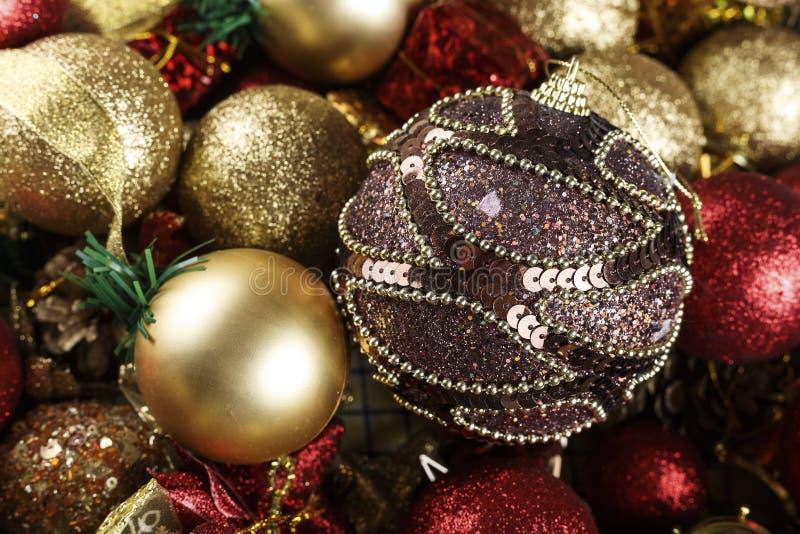 Juguetes para el árbol de navidad fotos de archivo