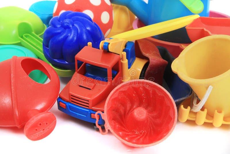 juguetes plásticos de la arena imagen de archivo