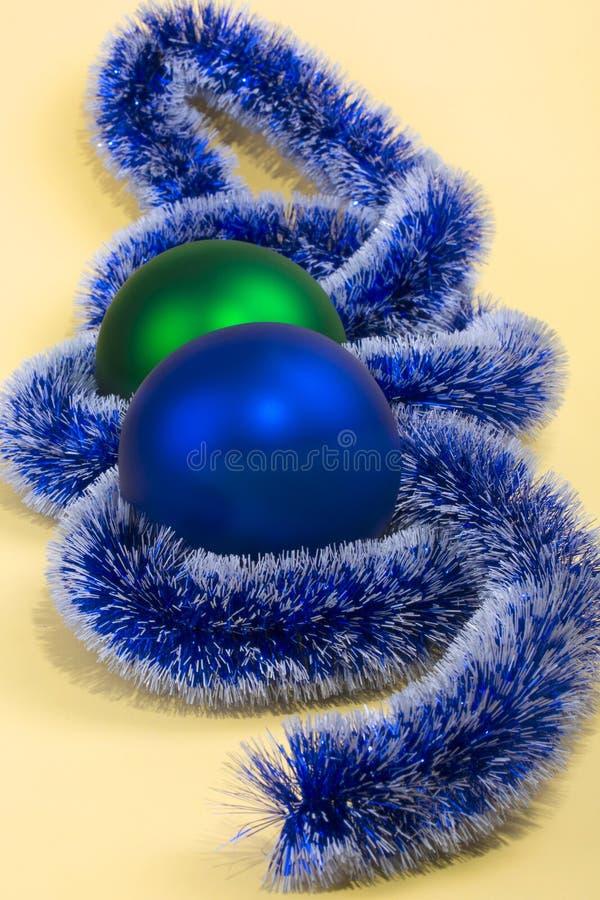 Juguetes y decoraciones de la Navidad imagen de archivo