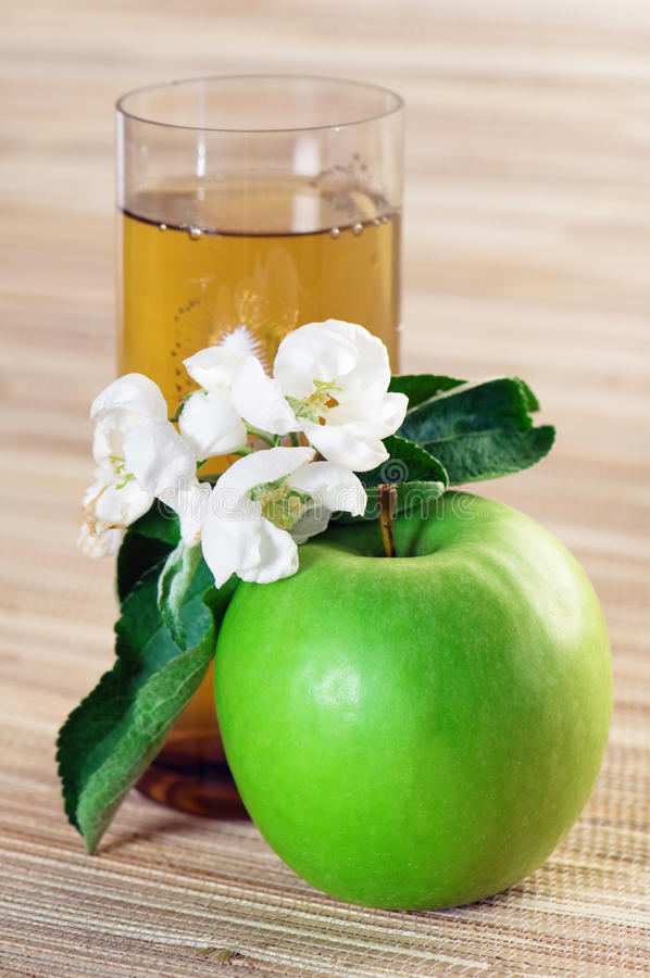 Download Juice and green apple stock image. Image of closeup, natural - 14608911