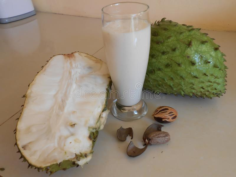Juice Made From Soursop libre illustration