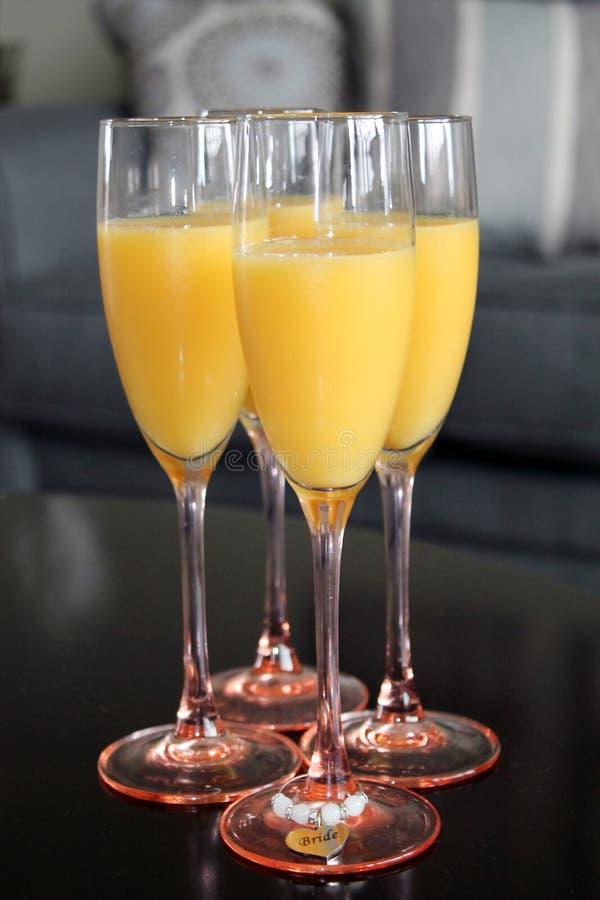 Juice Mimosas arancio casalingo fresco fotografie stock libere da diritti