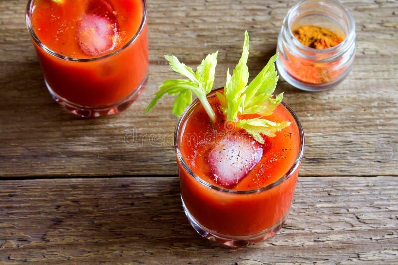 juice tomato arkivfoton
