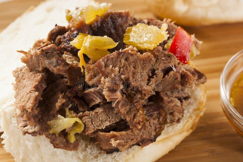 Juicy σπιτικό ιταλικό σάντουιτς βόειου κρέατος στοκ εικόνες