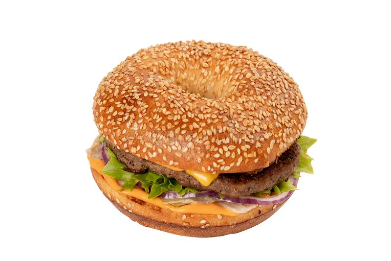 Juicy φρέσκο Burger απομονωμένο στο λευκό υπόβαθρο στοκ εικόνες με δικαίωμα ελεύθερης χρήσης
