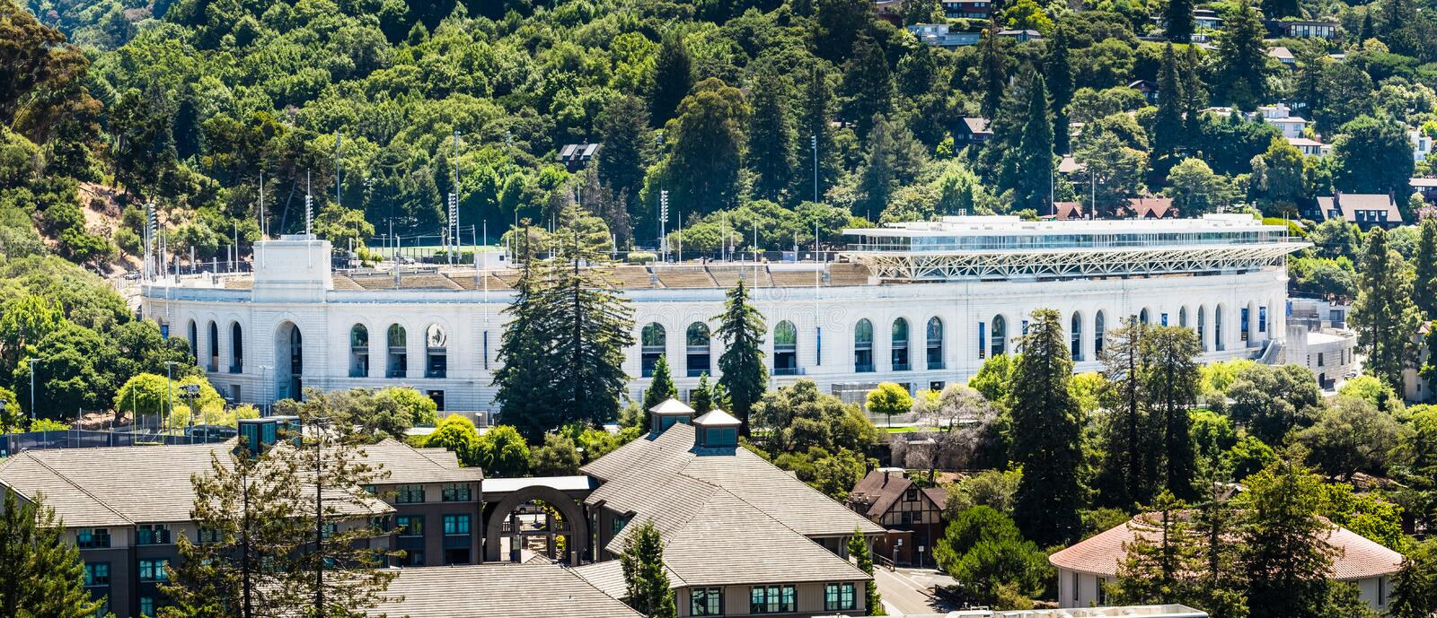 13 juillet 2019 Berkeley/CA/Etats-Unis - vue panoramique de California Memorial Stadium historique sur le campus d'Uc Berkeley, m photo stock