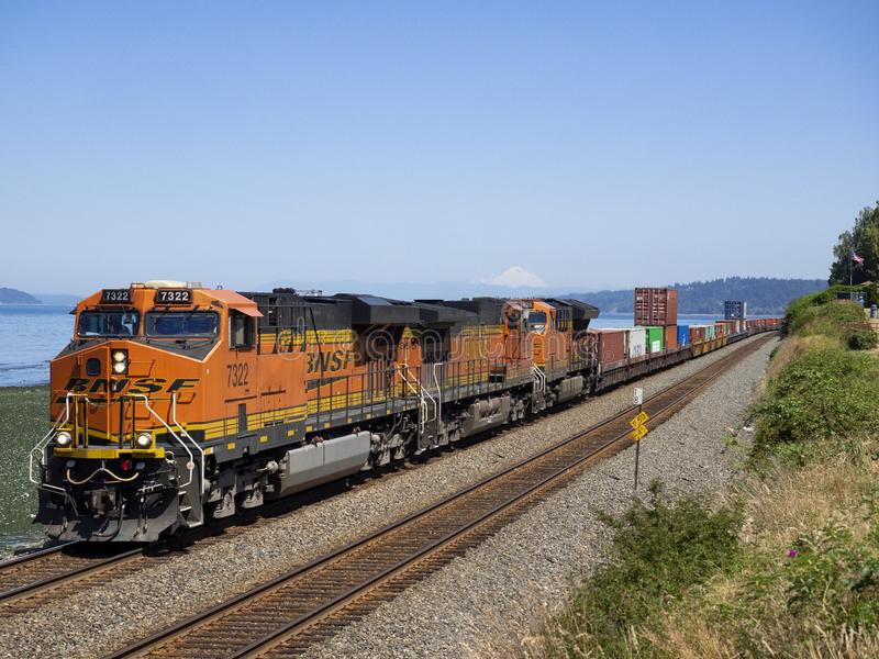 14 JUILLET 2018 : BNSF 7322 photos stock