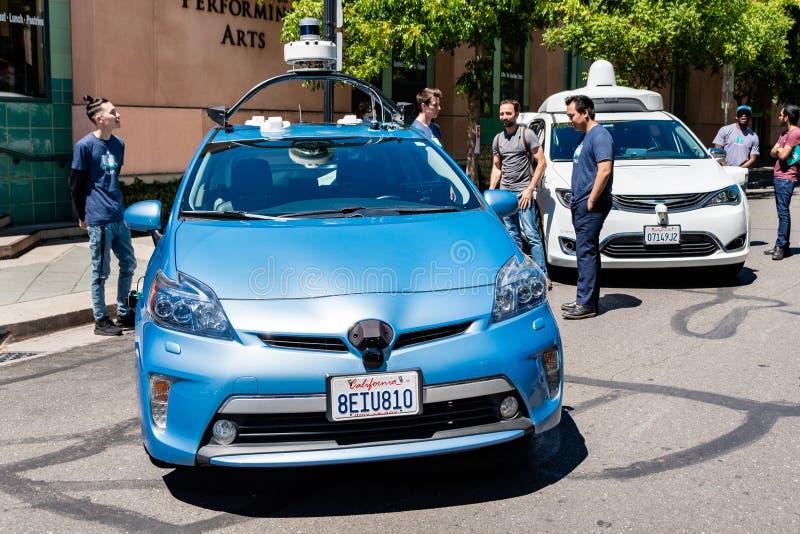 16 juillet 2019 Mountain View/CA/Etats-Unis - individu de Nuro conduisant le véhicule sur l'affichage à l'étalage de technologie  photos stock