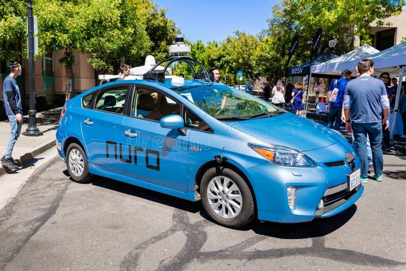 16 juillet 2019 Mountain View/CA/Etats-Unis - individu de Nuro conduisant le véhicule sur l'affichage à l'étalage de technologie  image stock