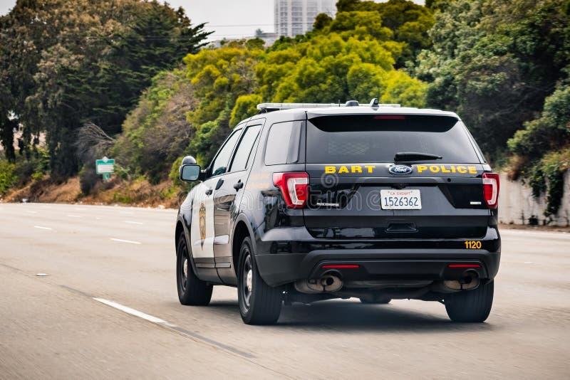 4 juillet 2019 San Francisco/CA/Etats-Unis - conduite de véhicule de police de BART sur l'autoroute ; La police de BART est l'age photographie stock
