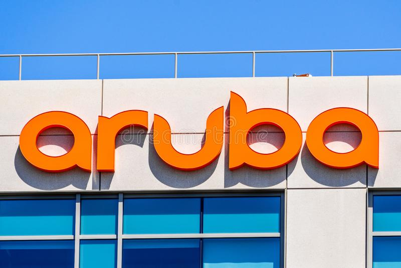 29 juillet 2019 Santa Clara/CA/Etats-Unis - les réseaux d'Aruba signent à leur QG dans Silicon Valley ; Aruba est Santa Clara, ba images libres de droits