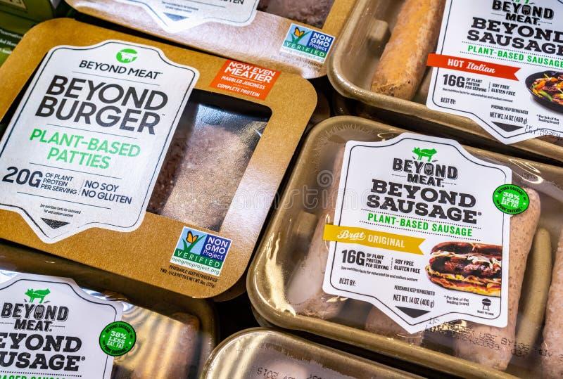 25 juin 2019 Sunnyvale/CA/Etats-Unis - au delà des paquets d'hamburger et de saucisse de viande disponibles pour l'achat dans un  photo libre de droits