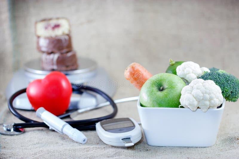 Juist en uitgebalanceerd dieet om diabetes te vermijden stock afbeeldingen
