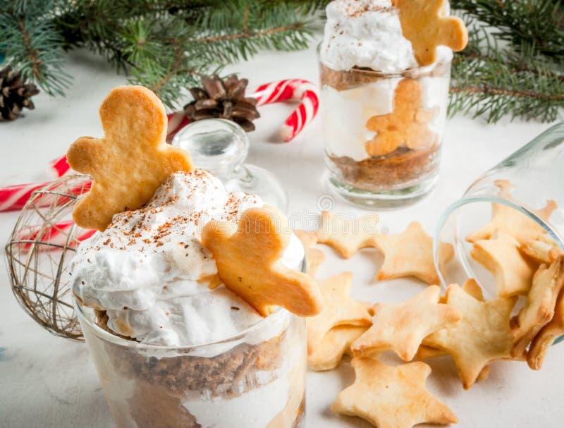 Jul efterrätt, Ginger Trifle fotografering för bildbyråer
