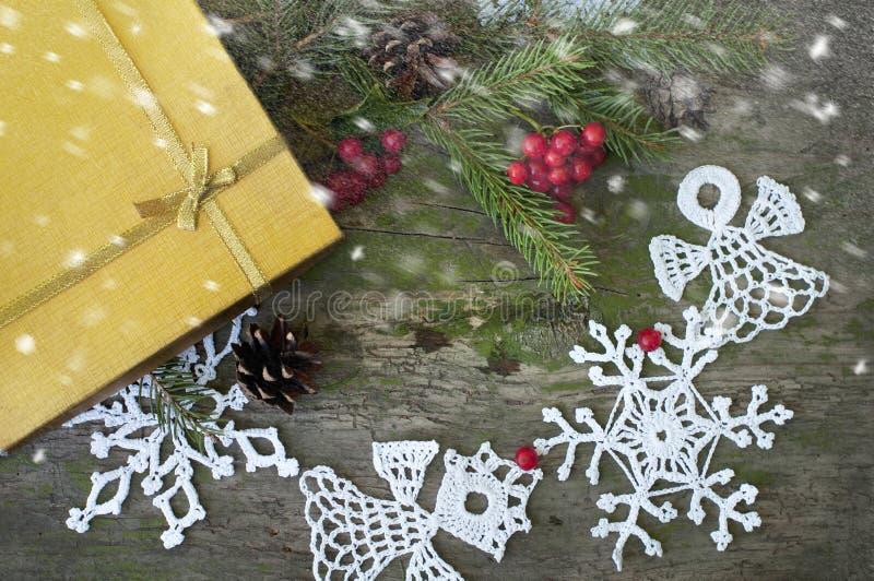 Download Jul gåva och dekor med snö arkivfoto. Bild av snow, presents - 78731756