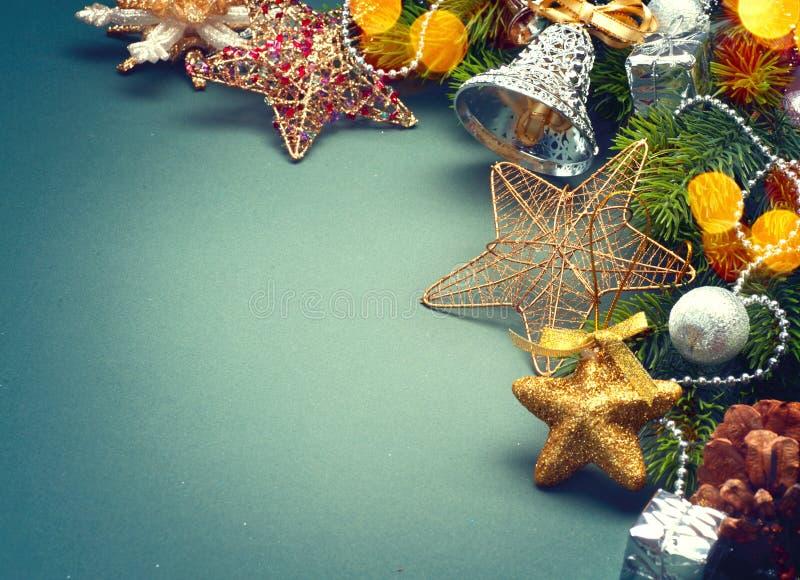 Jul gör grön retro utformad bakgrund arkivbild