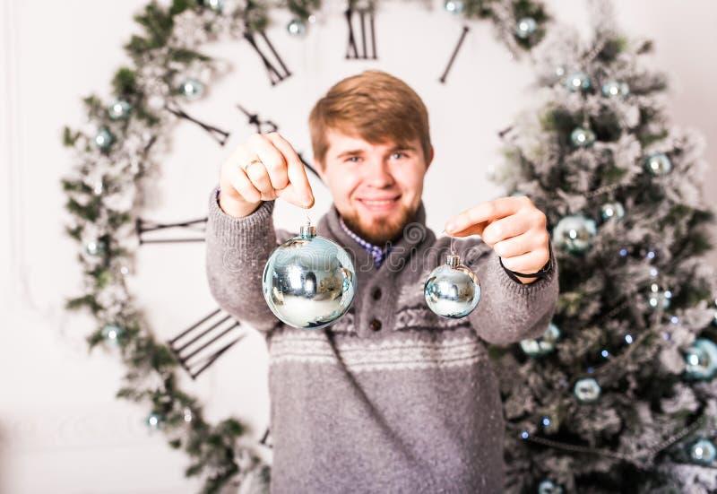Jul, garnering, ferier och folkbegrepp royaltyfri bild