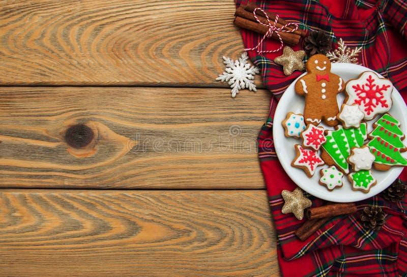 Jul ingefära och färgrika kakor för honung royaltyfria foton