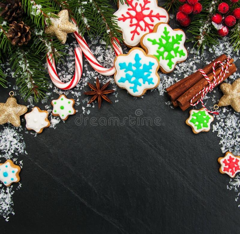 Jul ingefära och färgrika kakor för honung royaltyfri foto