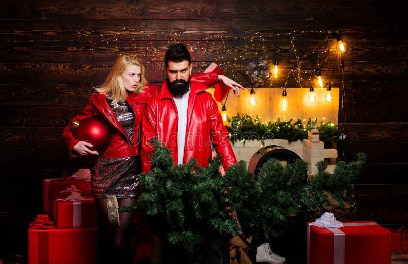 jul min version för portföljtreevektor Mode för julmandräkt Komiska par: galet fira Moderna jultrender Mode för nytt år arkivbilder
