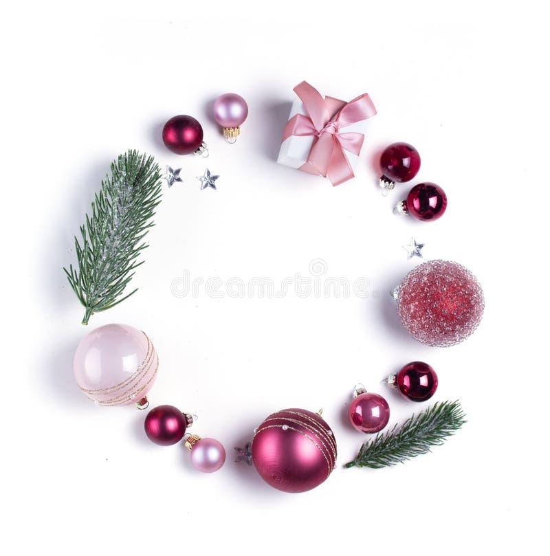 Jul sänker lekmanna- plats med glass bollar royaltyfri bild