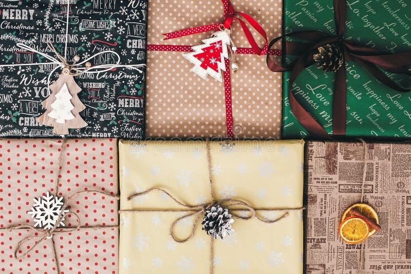 Jul sänker lekmanna- stilfull slågen in bästa sikt för gåvaaskar, med eller fotografering för bildbyråer