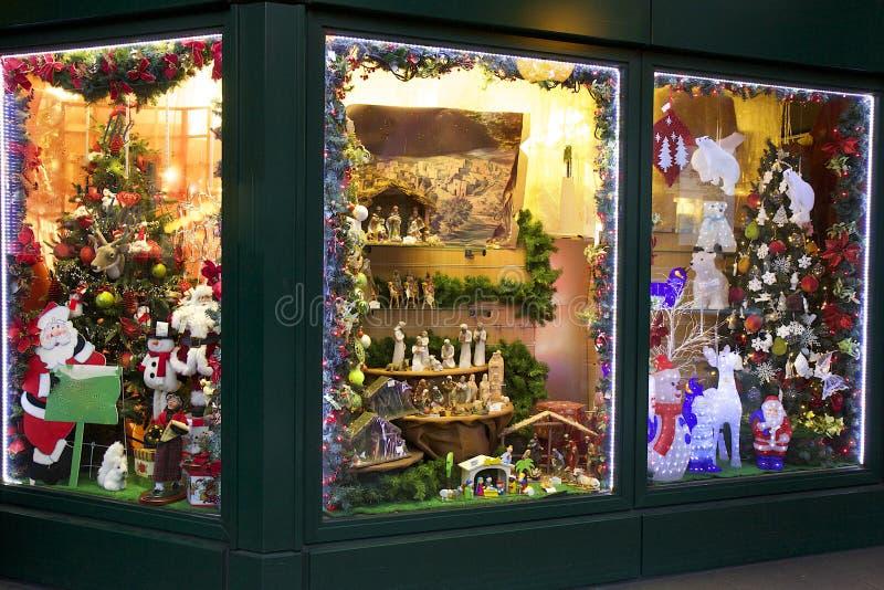 Jul shoppar i London arkivbilder