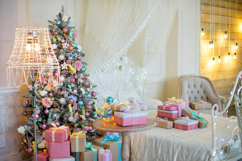Jul som är inre i pastellfärgade färger arkivfoton