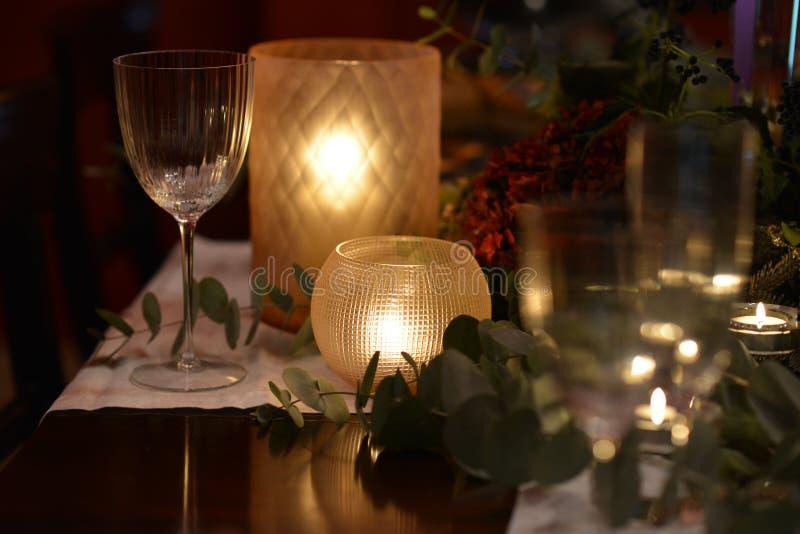 Jul som äter middag tabellen royaltyfria foton