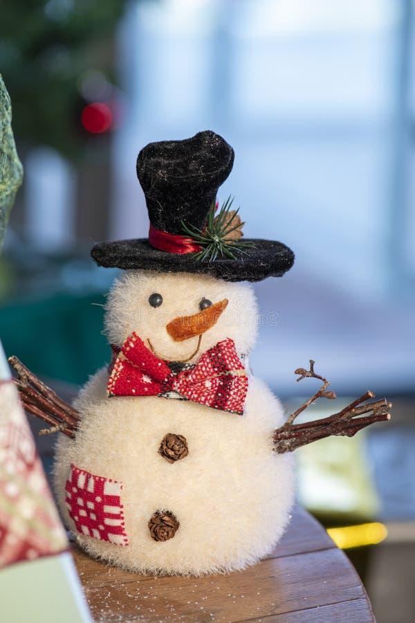 Jul struntsak, stjärnor, träd, klocka, bollar, snögubbe, hjortar och olika prydnader royaltyfri foto