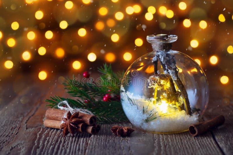 Julbakgrund i form av en lyktaboll och leksaker nytt royaltyfria foton