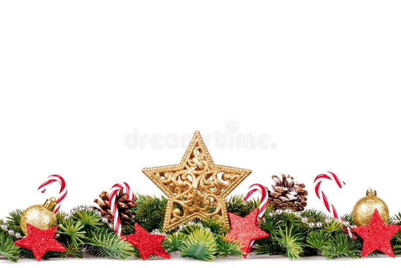 Julbakgrund med bollar och garneringar som isoleras på vit bakgrund royaltyfria foton