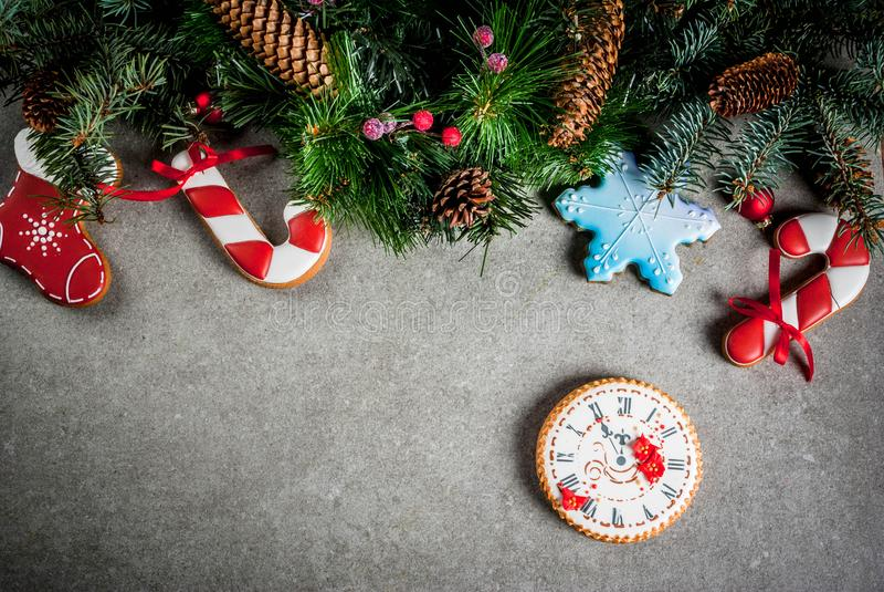Julbakgrund med pepparkakor arkivbild