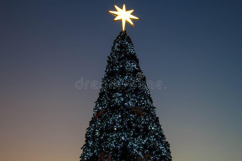 Julbakgrundstr?d arkivfoto