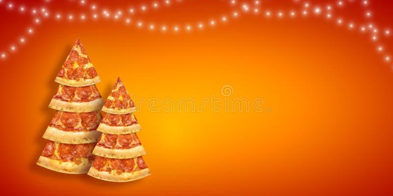 Julbefordranreklamblad med pizzaskivan i form av julgranen med kopieringsutrymme Idérik pizza för affisch för nytt år för begrepp royaltyfri bild